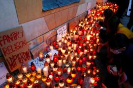 Polonia kufizon të drejtat e abortit, mijëra qytetarë në protestë