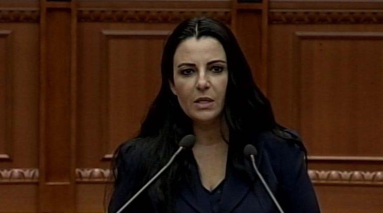 Ministrja Balluku prezanton ligjin për mjetet lundruese