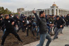 Kriza politike në Kirgizi, arrestohet ish-presidenti Atambaev