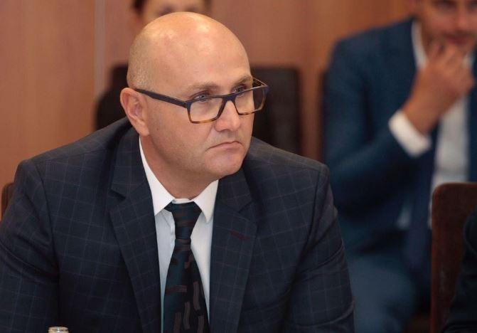 Arrestohet kreu i hidrokarbureve Klodian Gradaci, akuzohet si pjesë e një skeme mashtrimi