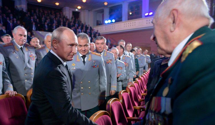 SHBA akuzon 6 oficerë rus për sulme kibernetike në 2015
