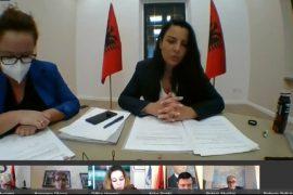 Ministrja Balluku kërkon më shumë buxhet për mirëmbatjen e rrugëve