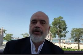 Rama firmos marrëveshje me Abu Dabin: 2000 banesa në Durrës dhe investime në turizëm
