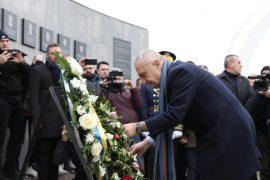 Meta kujton masakrën e Reçakut: Dëshmi e gjenocidit serb
