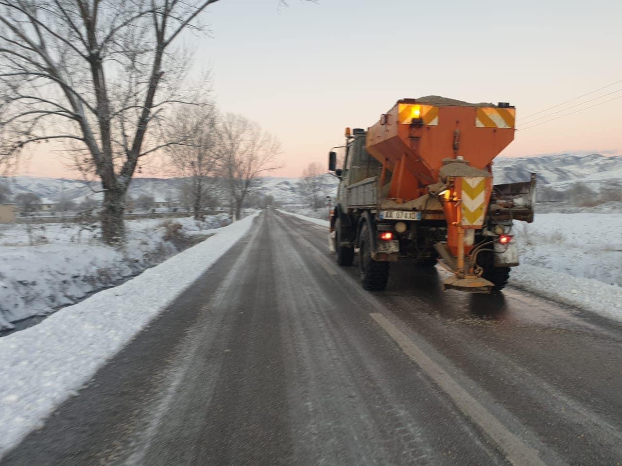 ARRSH, informacion për gjendjen e akseve rrugore pas reshjeve të dëborës