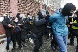BE dhe SHBA dënojnë arrestimin e mbi 4,500 protestuesve në Rusi