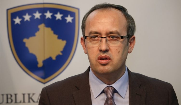 Kryeministri Hoti njofton mbërritjen 33 mijë dozave të vaksinave anti-Covid19 gjatë muajit mars