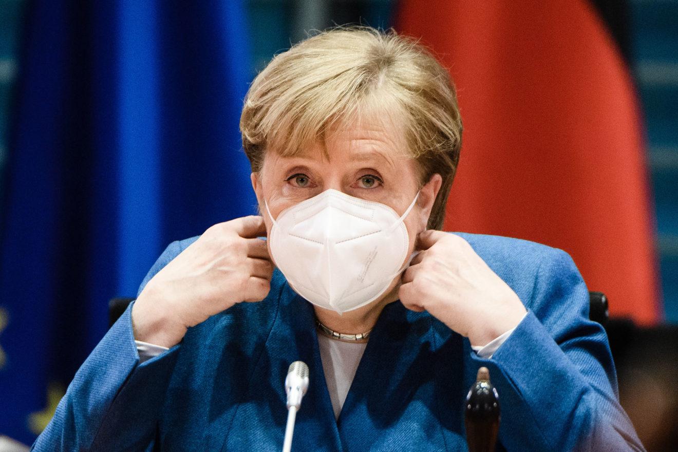 Merkel ngre pyetje mbi pezullimin e Tramp nga Twitter