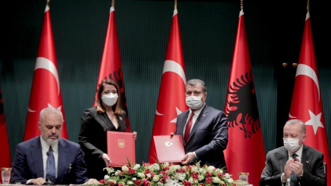 Turqia ofron trajtim falas për 100 pacientë shqiptarë në vit