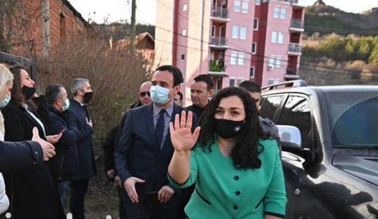 Vjosa Osmani: Autoritetet kosovare po punojnë për të siguruar vaksina shtesë