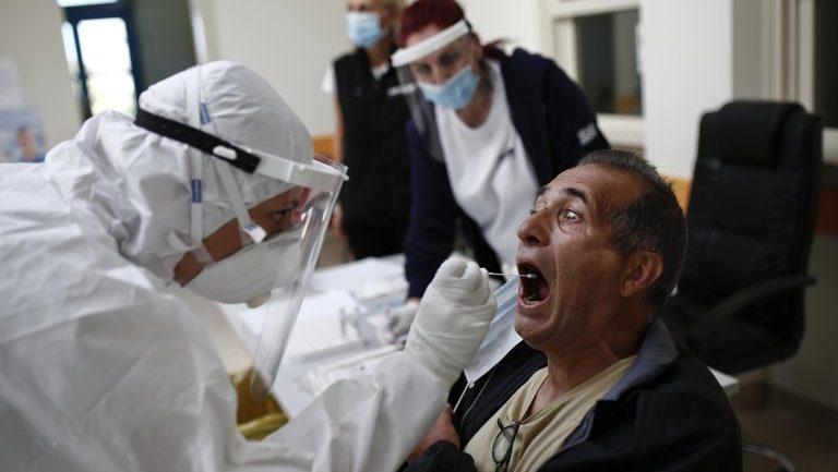 Greqia regjistron 1 913 raste të reja me COVD-19 dhe 28 viktima