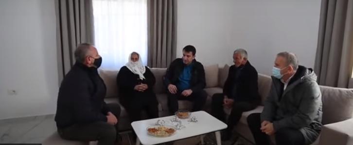 Veliaj akuza Bashës: Do vilën e pestë kur qytetarët janë pa shtëpi
