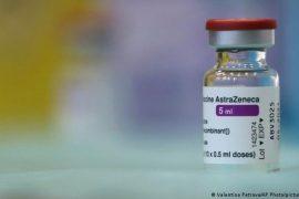 AstraZeneca vaksina e parë e miratuar nga OBSH për COVAX