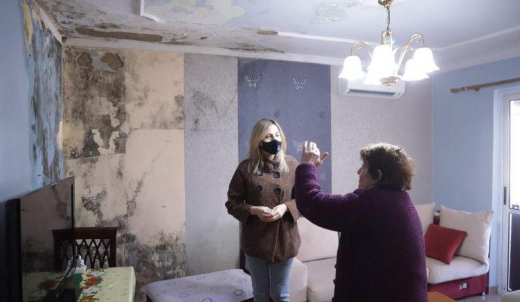 Banorët e pallatit të dëmtuar nga tërmeti lihen pa bonus qiraje