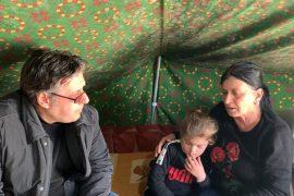 Paloka akuzon qeverinë se bën premtime boshe: Të prekurit nga tërmeti ende në çadra