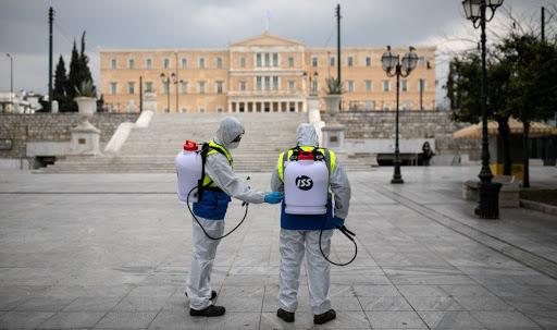 Greqia shtrin izolimin në më shumë zona për të ndaluar përhapjen e pandemisë