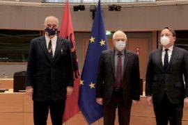 Rama nis vizitën në Bruksel, takon Borrell dhe Varhelyi