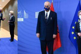Von den Leyen: Duhet të fillojnë negociatat me Shqipërinë