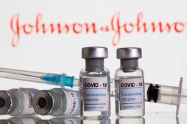 FDA dhe CDC kërkojnë bllokimin e vaksinës Johnson&Johnson në SHBA