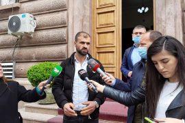 Elton Debreshi kërkon rrëzimin e pragut 1% nga Gjykata Kushtetuese