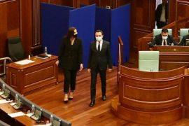 Kurti prezanton zyrtarisht Adelina Grainica-n si deputeten më të re të LVV