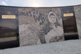 Përurohet memoriali në kujtim të shqiptarëve të dëbuar nga Kosova në 1999