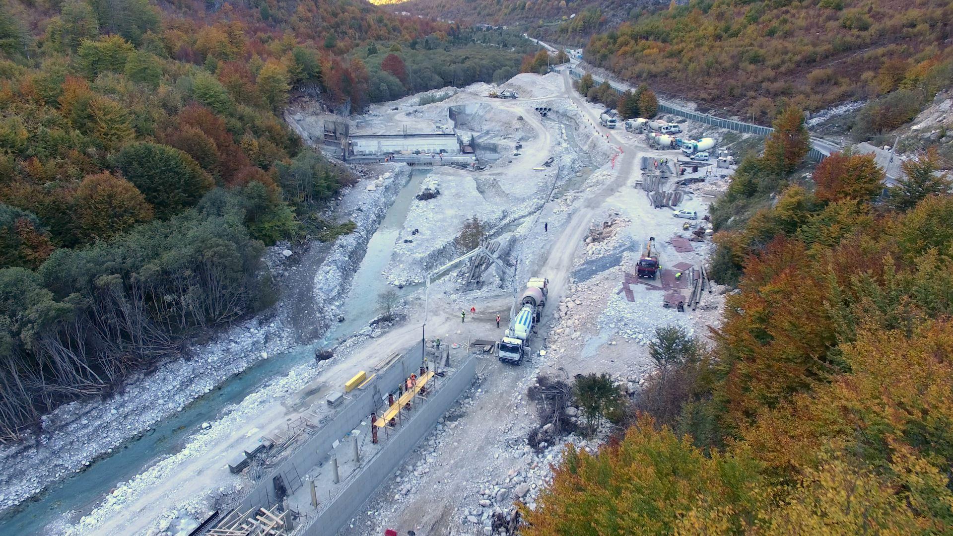 Qytetarët protesojnë kundër hidrocentraleve në Mirditë