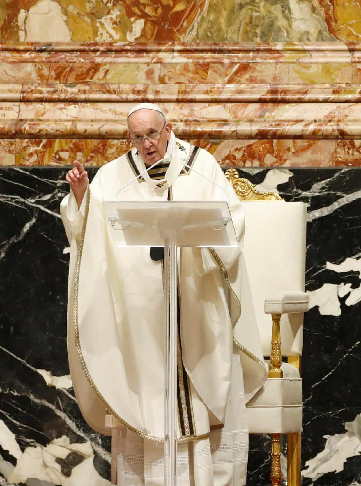 Papa Françesku u kërkon FMN dhe Bankës Botërore të falin borxhet për vendet e varfëra