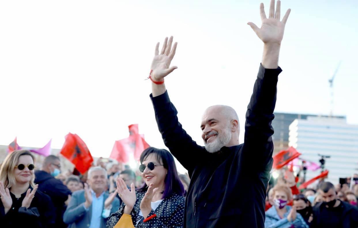 Koment: Si perëndimi po ndikon në dështimin e demokracisë në Shqipëri?